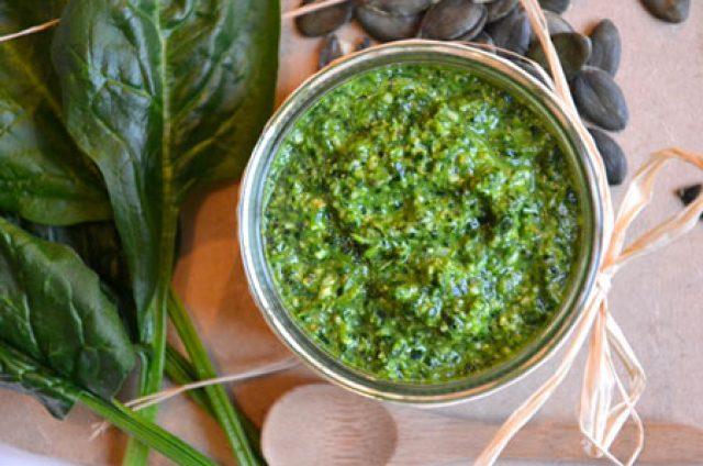 Pesto d'épinards aux graines de courge et au conté