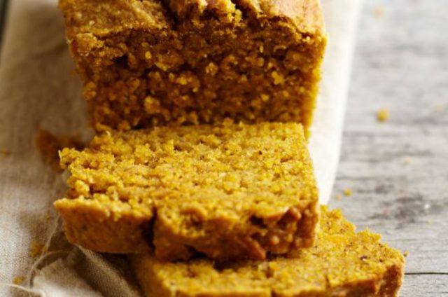 Cake sucré de courge butternut et noix