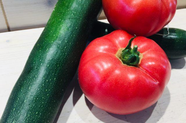 Crumble aux courgettes et aux tomates