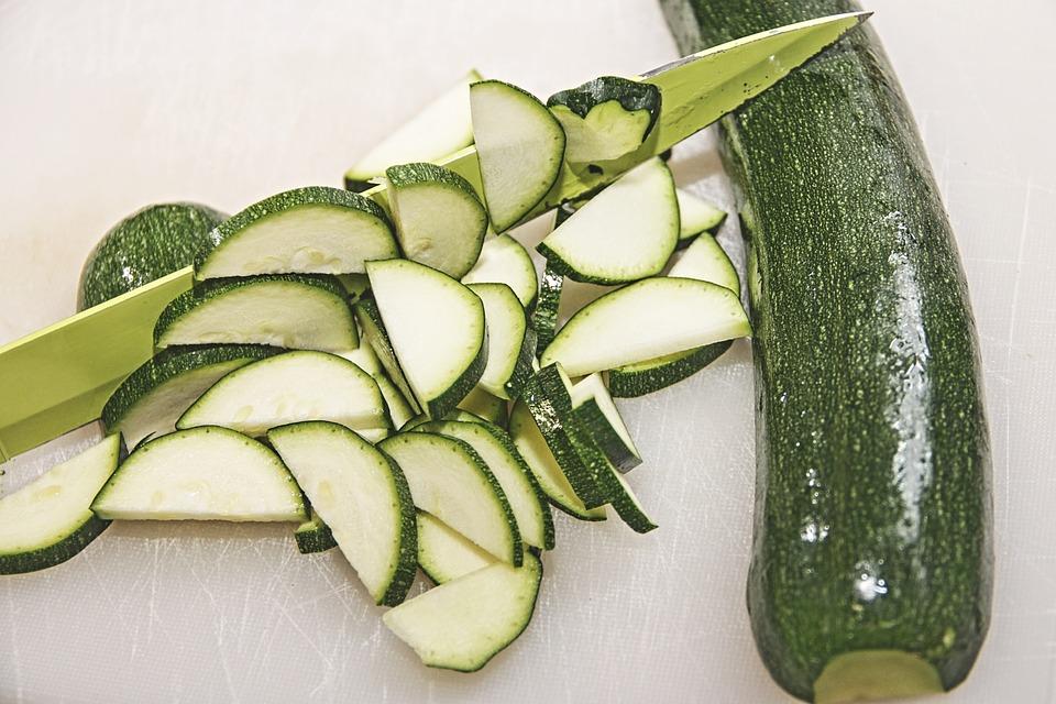 Pickles de courgettes au curry